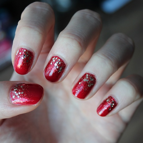 Christmas Nails: Red and Gold - Miss Danielle